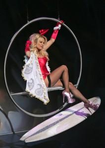 Pamela Anderson fait le show en Pleaser