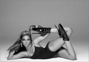 Beyonce en chaussures Pleaser