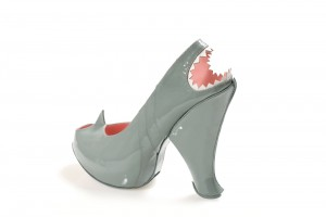 chaussure requin