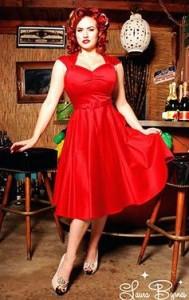 Robe rouge, le style Rétro